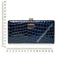 Кошелёк 9295_095-лаковая-кожа-крокодила-с-тиснением
